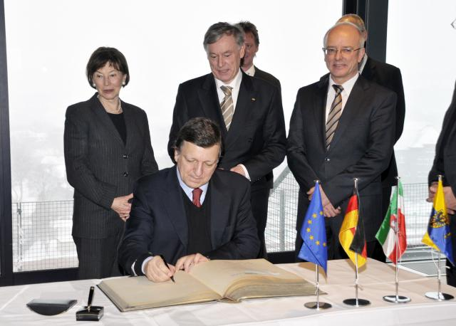 Participation of José Manuel Barroso, President of the EC, at the inauguration ceremony of Essen, European Capital 2010