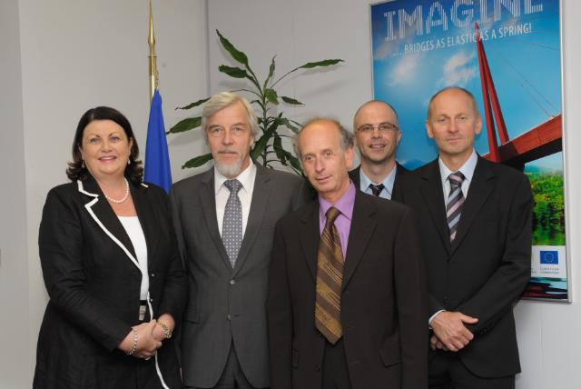 Visit of a delegation from CERN to the EC