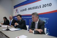 Participation de José Manuel Barroso, président de la CE, et Karel De Gucht, membre de la CE, au lancement d'un accord de libre-échange avec la Malaisie