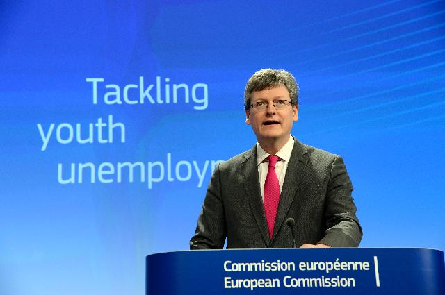 Press conference by Laszlo Andor, Member of the EC, on Youth employment package