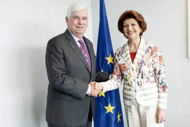 Visit of Chris Dodd, Chairman and CEO of the Motion Picture Association of America, to the EC