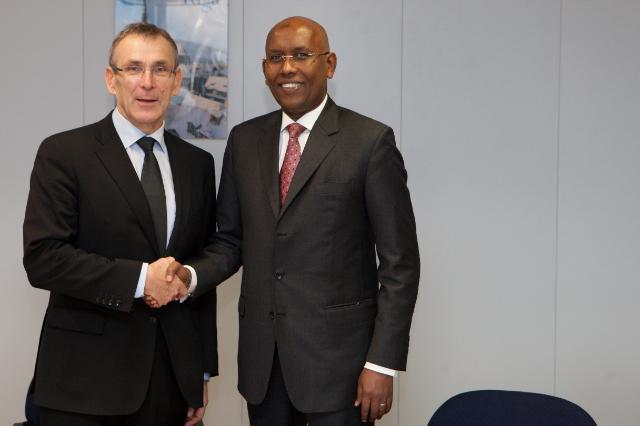 Visite d'Ilyas Moussa Dawaleh, ministre djiboutien de l'Economie et des Finances, chargé de l'Industrie et de la Planification, à la CE