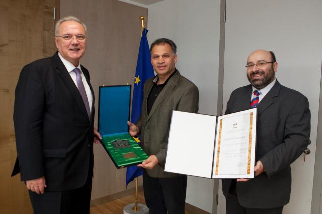 Visite de Veljko Kajtazi, membre du Parlement croate, à la CE