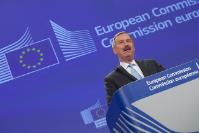 Conférence de presse de Siim Kallas, vice-président de la CE, sur les nouvelles normes strictes pour réglementer les activités des drones à usage civil