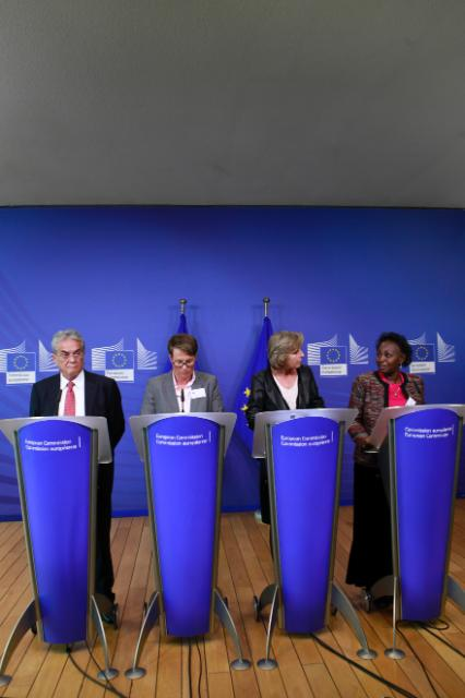 Joint press conference by Connie Hedegaard, Tony A. deBrum, Fatou Ndeye Gaye and Tine Sundtoft, following the roundtable on climate change