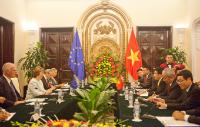General view of the meeting between Phạm Bình Minh, seated, 3rd from the right, and Catherine Ashton, 2nd from the left