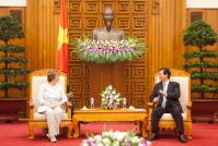 Discussion between Nguyễn Tấn Dũng, on the right, and Catherine Ashton