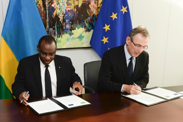 Signing ceremony of the National Indicative Programme for Rwanda under the 11th EDF for the period 2014-2020