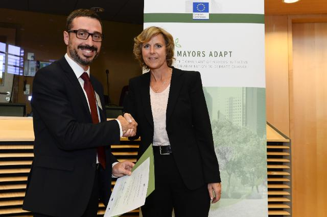 Signing ceremony of the 'Mayors Adapt' initiative of the 'Covenant of Mayors'