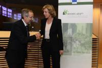 """Illustration of """"Cérémonie de signature de l'initiative 'Mayors Adapt' de la 'Convention des maires'"""""""