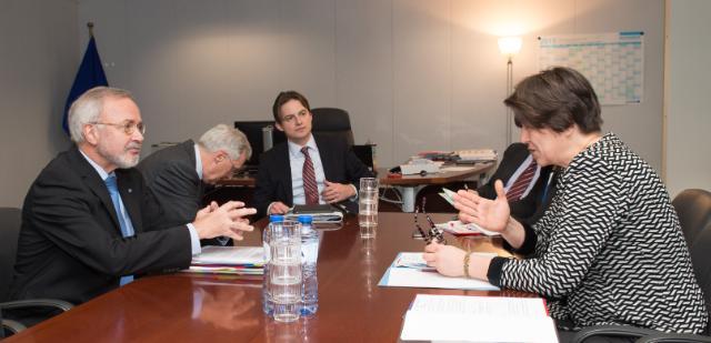 Visite de Werner Hoyer, président de la BEI, à la CE