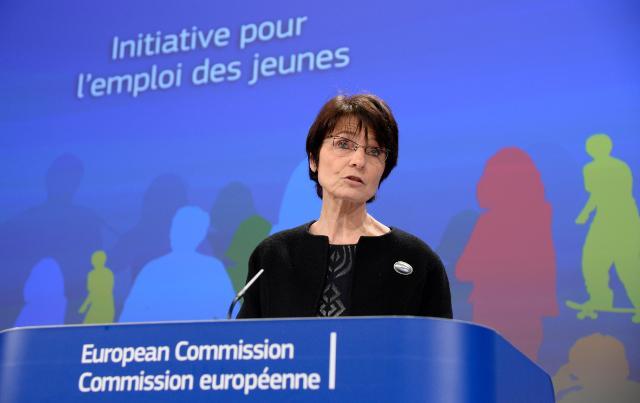 Conférence de presse de Marianne Thyssen, membre de la CE, sur l'accélération du pré-financement pour promouvoir l'emploi des jeunes