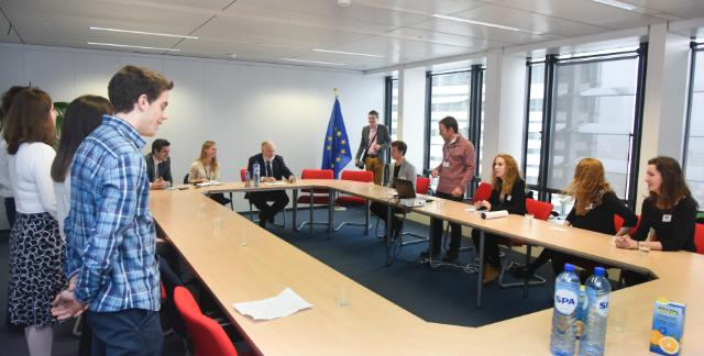Visit of a group of students from the European School Brussels II to the EC