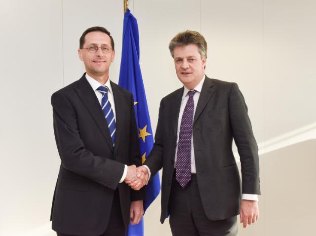 Visite de Mihály Varga, ministre hongrois de l'Économie nationale, à la CE