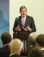 Speech by Johannes Hahn, at the podium