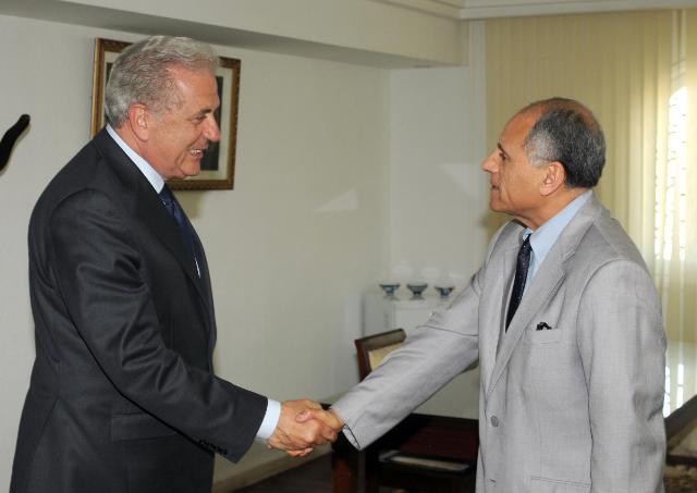 Visite de Dimitris Avramopoulos, membre de la CE, en Tunisie