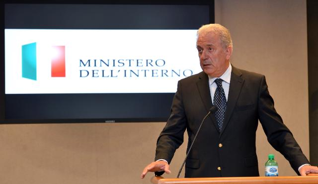 Visit of Dimitris Avramopoulos, Member of the EC, to Italia