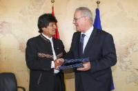 Signature de trois conventions de financement avec la Bolivie