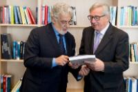 Visite de Plácido Domingo, chanteur lyrique espagnol et président honoraire de la Fédération internationale de l'industrie phonographique, à la CE