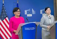 Conférence de presse de Vĕra Jourová, membre de la CE, et Penny Pritzker, secrétaire américaine au Commerce, sur l'adoption du bouclier de protection des données UE-États-Unis