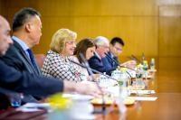 Visite de Corina Creţu, membre de la CE, en Chine