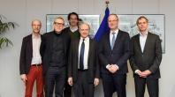 Visite d'une délégation des chefs d'orchestre européens, à la CE