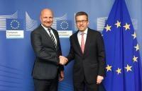 Visite de Jari Gustafsson, secrétaire permanent du Ministère finlandais des Affaires économiques et de l'Emploi, à la CE