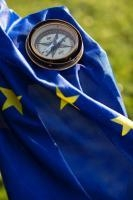 Série ludique d'illustrations symboliques autour des étoiles et du bleu du drapeau européen