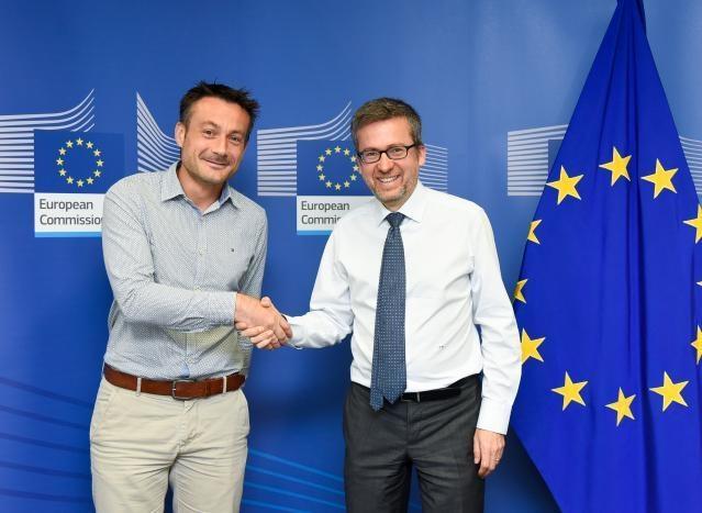 Visit of Mathieu Vinken, professor to the Vrije Universiteit Brussel-Belgium, to the EC