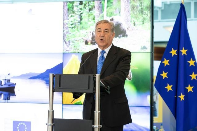 Participation of Karmenu Vella, Member of the EC, at the European Natura 2000 Award Ceremony