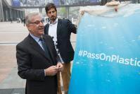Participation de Frans Timmermans, premier vice-président de la CE, et Karmenu Vella, membre de la CE chargé de l'Environnement, des Affaires maritimes et de la Pêche, à l'événement de lancement du #PassOnPlastic Pledge