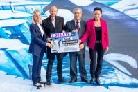 Handing over of the 1 million signatures on Antarctic ocean protection (Avaaz), to Karmenu Vella, Member of the EC