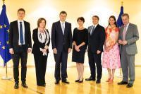 Participation de Valdis Dombrovskis, vice-président de la CE, Günther Oettinger et Marianne Thyssen, membres de la CE, à une réunion avec des partenaires sociaux