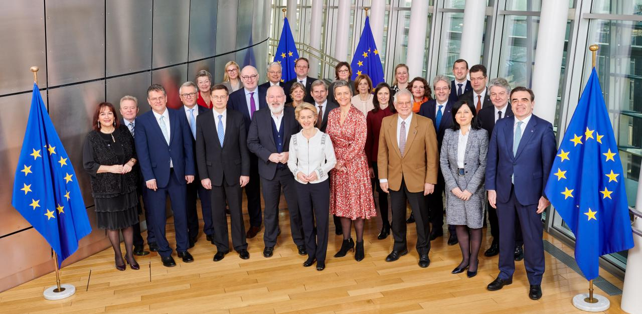 Family photo European Commissioners 2019-2024