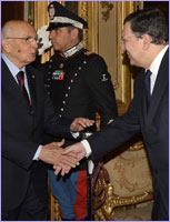 Handshake between Giorgio Napolitano and José Manuel Barroso (in the foreground, from left to right) © European Union