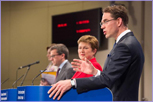Joint statement by Kristalina Georgieva, Jyrki Katainen, and Carlos Moedas, on the agreement on the European Fund for Strategic Investments (EFSI) © European Union, 2015