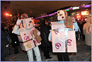Estonians disguised as New Year's gift, representing the single currency, the euro - © European Union, 2011