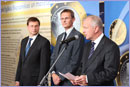 VP Rehn addressing euro-exhibition © European Union