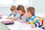 Children of the school bench (c) Adobe stock