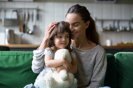 Parent and child (c) Adobe Stock