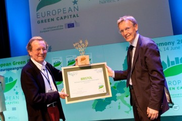 Commissioner Janez Potočnik presents Mayor of Bristol, George Ferguson with the European Green Capital Award 2015 at last year's ceremony