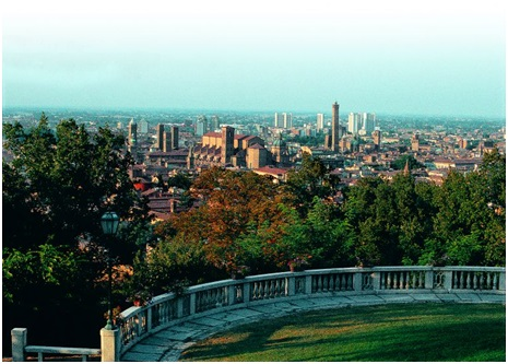 view on the city from Villa Baruzziana – Image courtesy of www.bolognawelcome.com