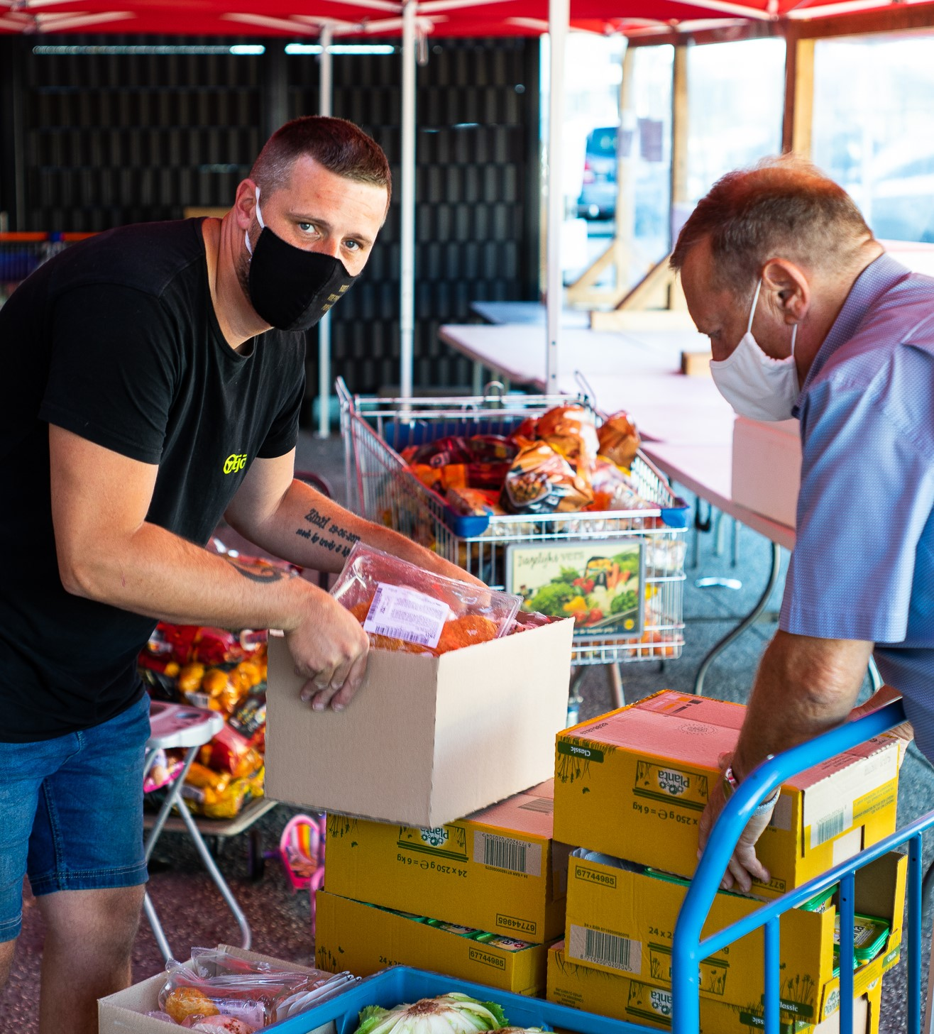 Food distribution at Belgian food bank © Belgian Federation of Food Banks, 2020