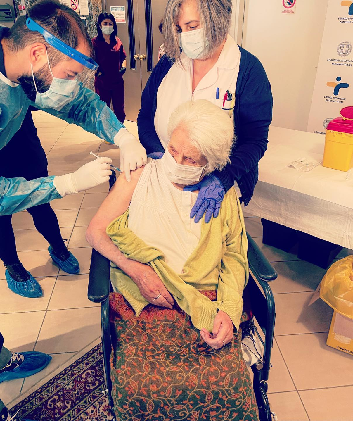 Vaccination at care facility in Thessaloniki © National Public Health Organisation, 2021