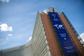 Picture of the banner on the Berlaymont building