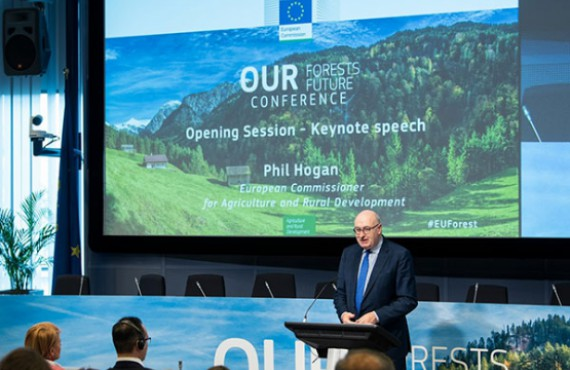 Commissioner Hogan speaking at the Our Forests, Our Future conference on 25 April 2019
