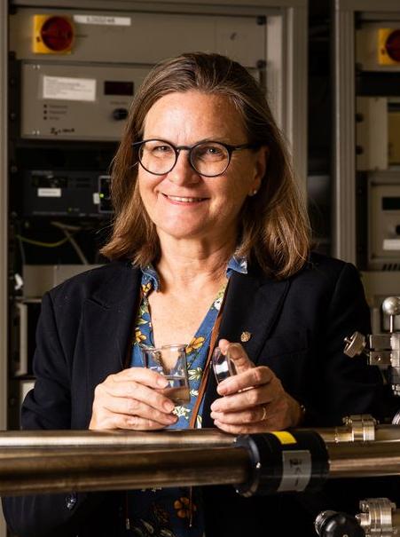 Dr. Ulrike Diebold
