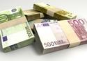 Euro Notes Collection Pile Close © Thinkstock 2017