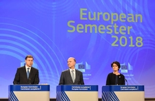 Valdis Dombrovskis, Pierre Moscovici, Marianne Thyssen © European Union , 2017