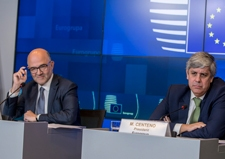 Press conference, Eurogroup, 01/10/2018, with Mr P. MOSCOVICI, European Commissioner for Economic and Financial Affairs, Taxation and Customs and Mr M. CENTENO, President of the Eurogroup © European Union, 2018